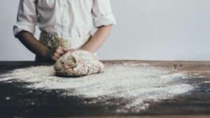 pâte crue et levure