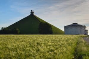 Lion of Waterloo Mound